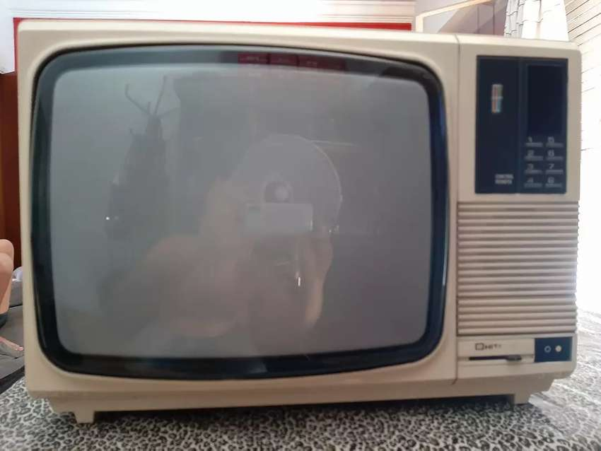 TV color marca Hitachi 14 pulgadas 0