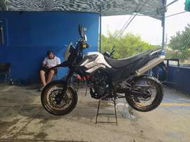 VENDO AKT TT 150 MODIFICADA SUPERMOTARD