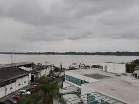 Venta de edificio en el Barrio del Astillero al sur de Guayaquil con vista al Rio Guayas