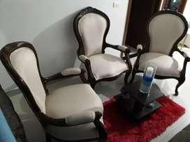 Vendo hermosas sillas isabelinas