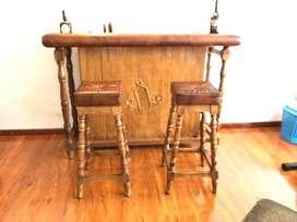 Mueble bar de tradicion en madera y cuero