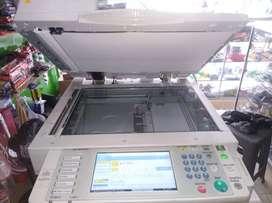 Vendo o Cambio fotocopiadora Ricoh por Moto