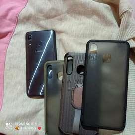Samsung Galaxy A30.