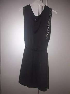 Vestido negro suelto