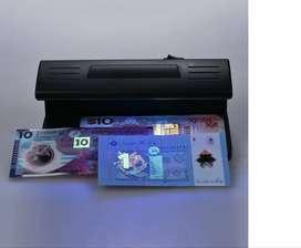 maquina detector de billetes falsos