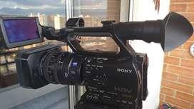 Ganga - Espectacular  Camara Sony HD con Microfono, 2 baterias, memoria y lector de memoria