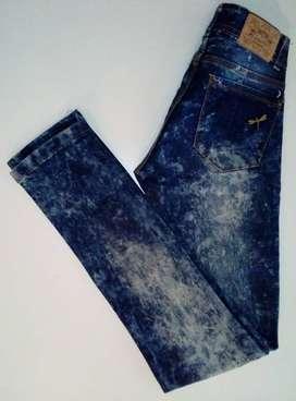 Jeans nevado azul oscuro talle 36