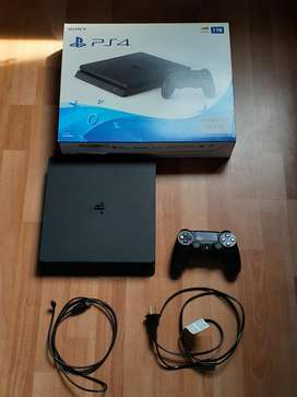 Playstation 4 de 1 Tb  Un Control