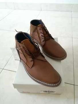 Vendo calzado de hombre talla 40