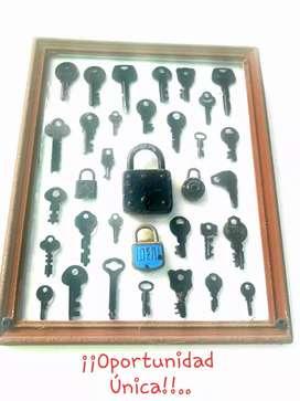 Vendo cuadro con llaves antiguas.
