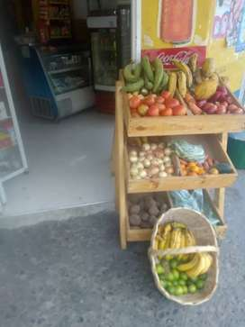 Vendo tienda bien acreditada en el barrio Santa Mónica popular