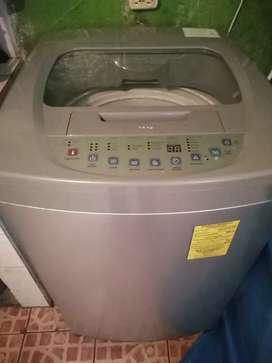 Vendo lavadora automática seminueva de medio uso grande de 14 Kg