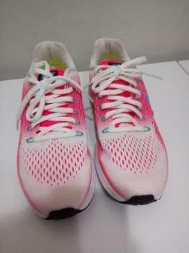 Zapatilla Femenina Nike 37,5 Original