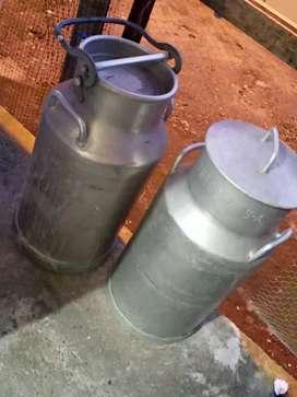 Tanques para cargar leche 40 litros c/u se venden los dos