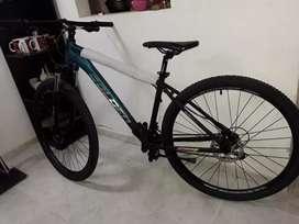Se vende Bicicleta ciclomontañismo