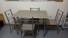 Mesa casi nueva