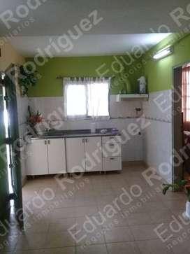 En venta casa con anexo galpón