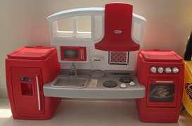 Cocina de juguete para preparar deliciosas cenas de juguete