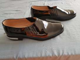 Vendo Zapatos Charol Resortado Espolines