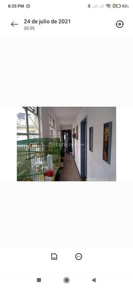 Casa y local en el barrio Restrepo