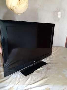 """vendo tv LG 32"""" en buen estado"""