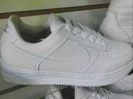 Zapatillas Nike Air Force one blancas