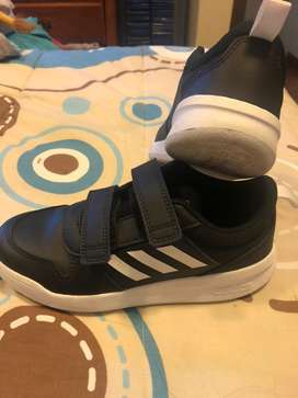 Zpatos deportivos de Niño Talla 1,5 o 33