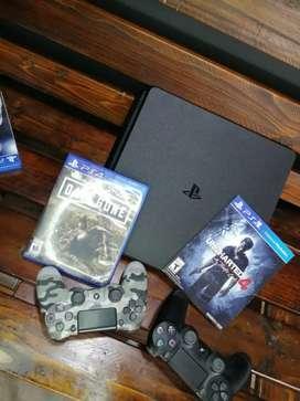 SE VENDE PS4 SUPER SLIM EN PERFECTO ESTADO.