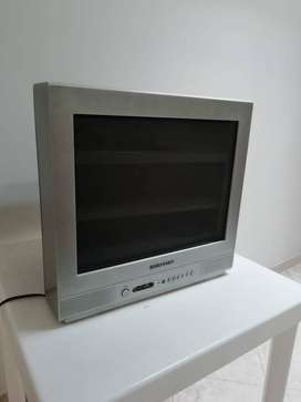 Vendo TV  Daewood Convencional de 21'' PANTALLA  PLANA