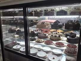 Busco para trabajar media jornada  d pastelero facturero