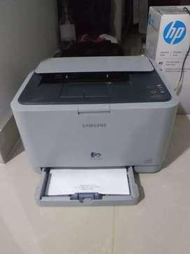 Vendo impresora laser a color CLP310, para reparar o repuestos, $50.000