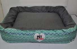 Espectacular cama para mascotas PET LOVERS. Cama para perro. Diseños exclusivos. Lavable. Envíos nacionales. Tarjetas.