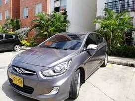 Hyundai i25 mod 2015