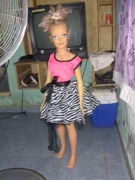 Muñeca Barbie gigante (1mts)