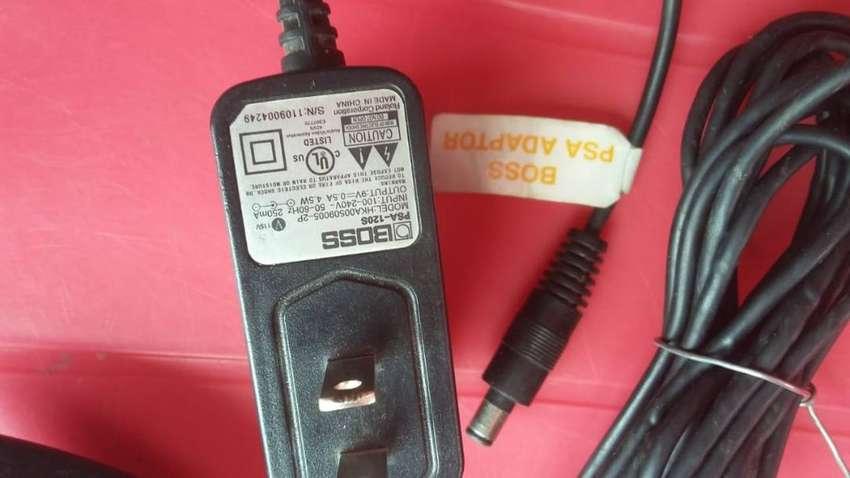 """Psa de boss con daysi chain de 7 plug y controlador de amplificador blackstar de las series """"id core"""" 20,40,100,150 0"""