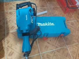 Vendo taladro demoledor makita