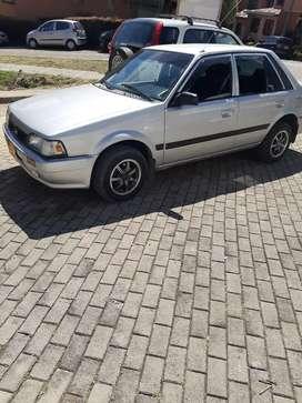 Mazda 323 modelo 98