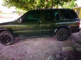 Camioneta Nissan Pathfinder 4x4