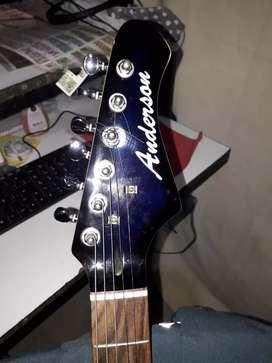 Vendo guitarra asi como esta con muy poco uso