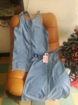 Se vende 2 bragas jeans talla s y m