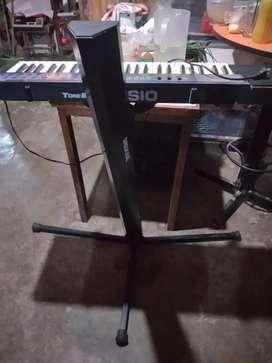 Parante y teclado casio