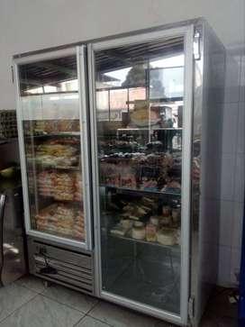 Nevera dos puertas, congelador y refrigerador