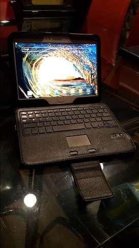 Tablet Samsung tab 3 con estuche bluetooth tipo laptop