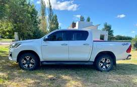 Toyota Hilux Cd Srx 4x4 At