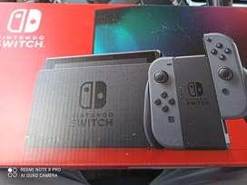 Nintendo switch prácticamente nueva (modelo 2019)
