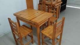 Mesa en madera con sus sillas
