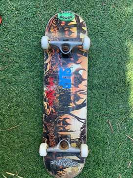 Vendo patineta darkstar skate negociable