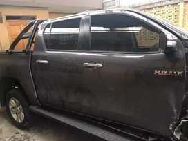 Salvamento y repuestos Toyota Hilux