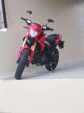 Vendo linda moto Dukare