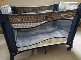 Cuna corral americano de bebé marca Kolcraft usado
